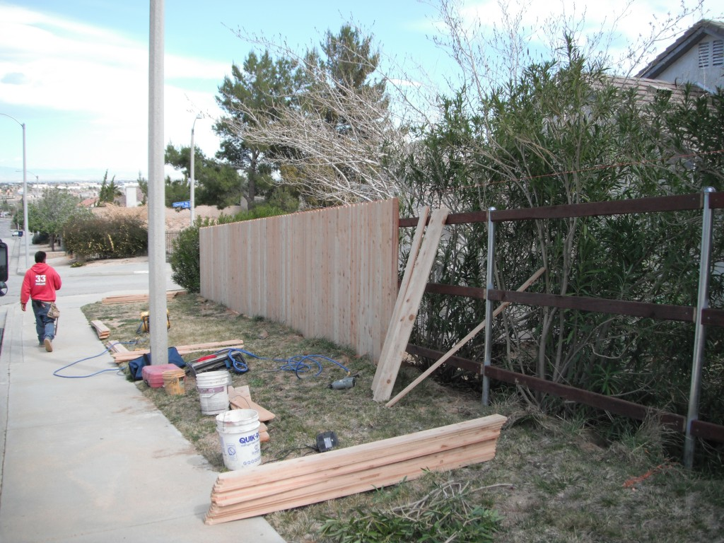 Cedar and Redwood Fencing - Potter Fence Co  Santa Clarita (661) 254